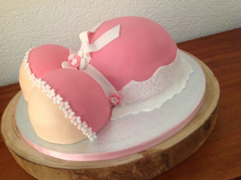 zwangerschapstaart of bollebuikentaart genoemd voor een babyshower